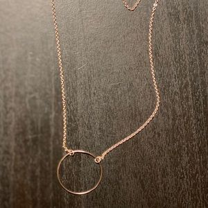 Rose Hold Necklace